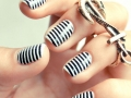 black-and-white-stripes-nail-design